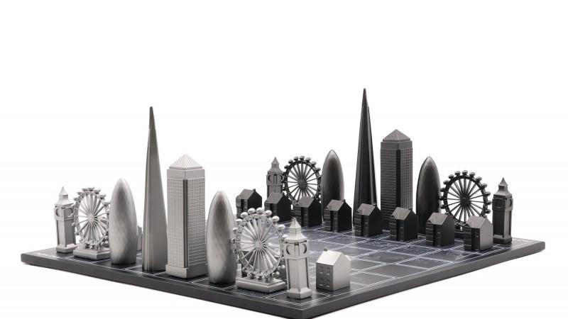 Britanska kompanija traži proizvođače luksuznih metalnih šah garnitura